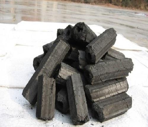 Sử dụng than củi để hút ẩm trong nhà